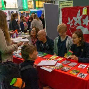Beim Berliner Klimatag des Bund für Umwelt und Naturschutz Deutschland (BUND) stellten mehr als 50 Organisationen und Initiativen vor, wie mensch sich in Berlin engagieren kann.